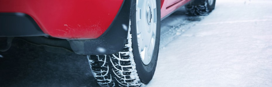Angulo-rueda-coche-sobre-hielo