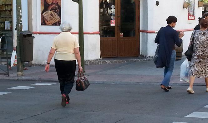 mujeres-cruzando