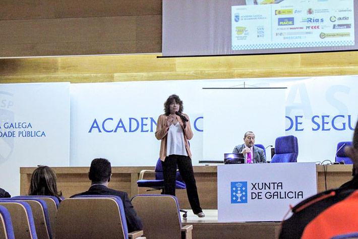XI Jornadas Estatales de Educacion Vial maite presentando taller