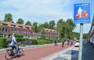carril bici fietsstraat holanda