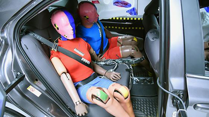 IIHS dummies-in-back