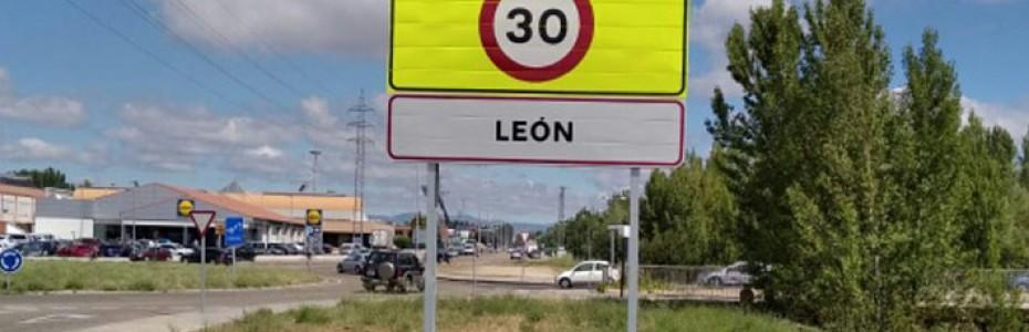 León se pone a 30
