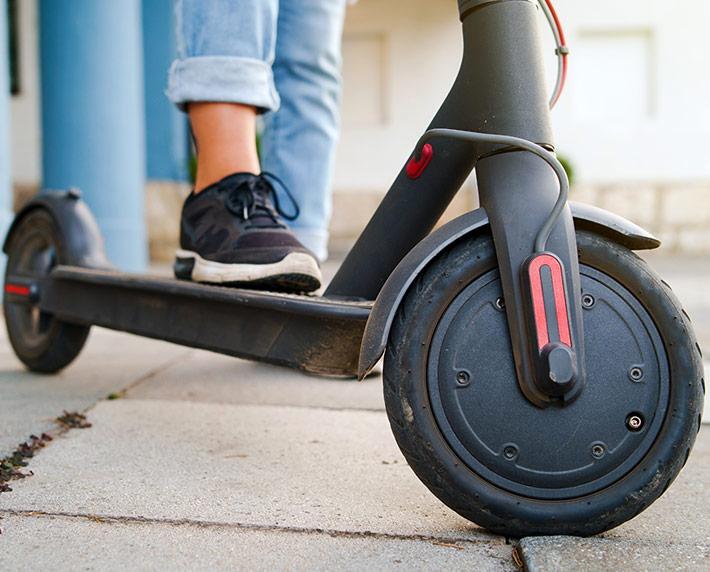 Lo que tienes que saber para circular en patinete eléctrico: normativa