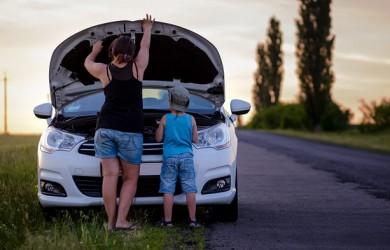 La batería, motivo de 1 de cada 2 asistencias en carretera en verano