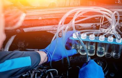 ¿Tu coche da tirones? La importancia de la limpieza de inyectores